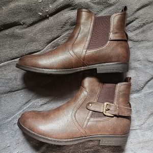 Hot Tomato NWOT Brown Faux Leather Boots